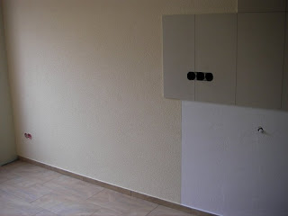 Häufig es Häuschen: Palisaden gesetzt, Küche verputzt PZ42