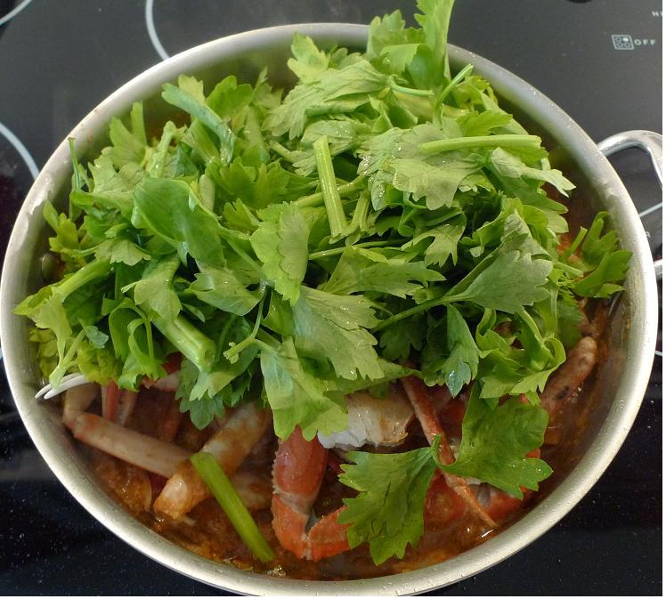 Thai Kitchen Chester: Amporn's Thai Kitchen: Stir-fried Crab With Curry Powder