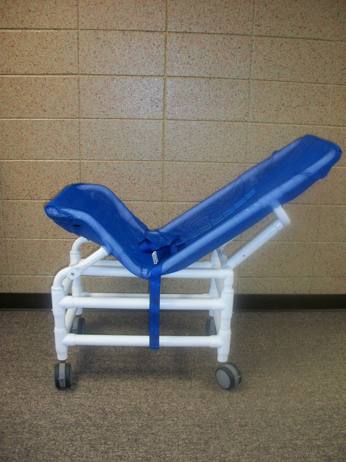 Stimr Com Columbia Vs Otter Reclining Bath Chairs And
