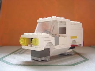 LEGO-Police-Car-in-pieces