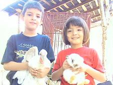 Niños en su granja