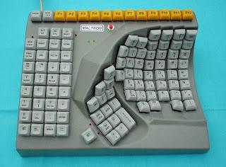 Weirdest+Keyboard+in+the+World Weirdest Keyboard in the World!!