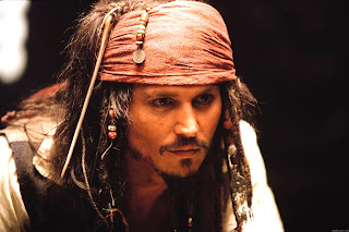 Jack Sparrow. Es un personaje ficticio protagonista de las películas  Piratas del Caribe  La maldición del Perla Negra (2003) 02c3298dc63
