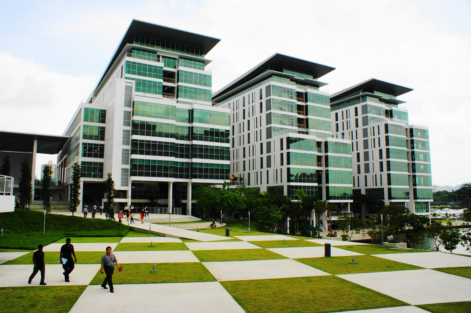 taylor lakeside campus