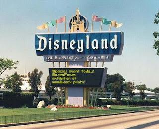 Chingatumadre Disneyland Mexico Entrada