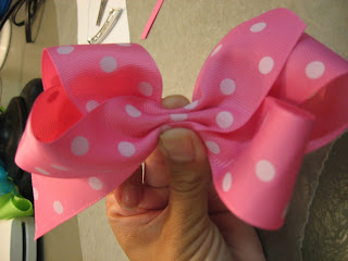 boutique style hair bow tutorial darby fly through my window boutique hair bow tutorial 6832