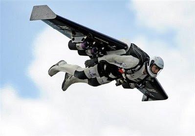 [Image: flying+man+2+WQ.jpg]