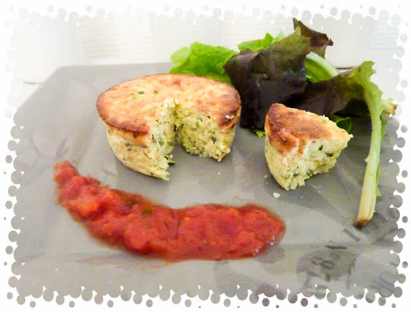 petit flan de courgette parmesan sur son lit de tomates. Black Bedroom Furniture Sets. Home Design Ideas