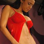 Andrea Rincon, Selena Spice Galeria 1 : Traje Oriental Rojo Foto 171