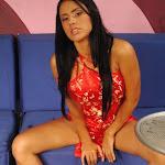 Andrea Rincon, Selena Spice Galeria 1 : Traje Oriental Rojo Foto 3