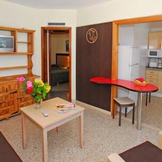 Кухня в номере бунгало Dona Rosa