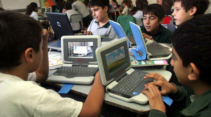 [portatiles+en+la+escuela.JPG]