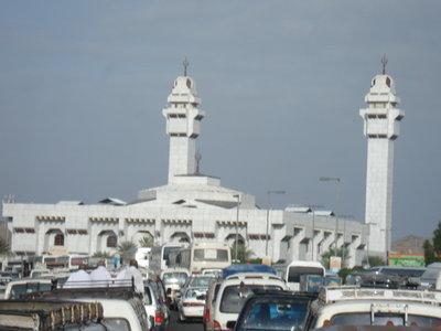 [Masjid+Tan'im(Aisyah).JPG]