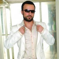 Tarkan's latest look in his 2008 calendar
