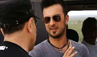 Tarkan on NR1TV for his third music video from Metamorfoz