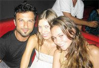 Tarkan out with some girls after split with Bilge
