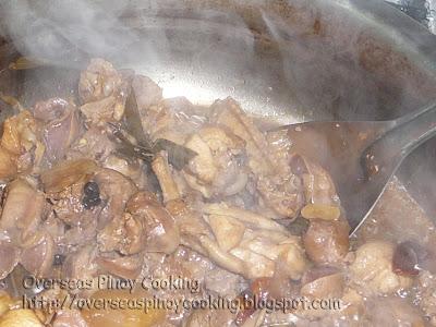 Adobong Atay at Balunbalunan ng Manok sa Pinya - Cooking Procedure