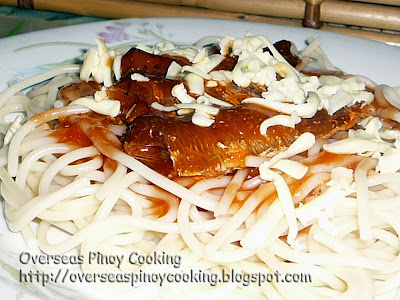 Spaghetti with Fried Sardines in Hot and Spicy Sauce