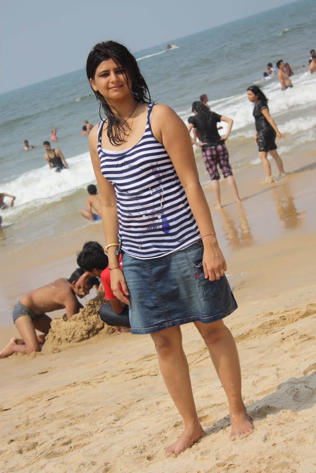 Hot Indian Girl Pictures At Goa Beach-1722