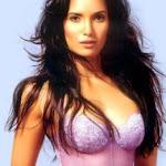 Padma Lakshmi Hot Pics