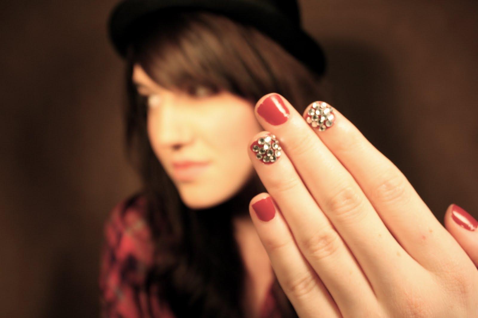 tinsel manicure