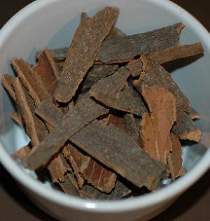 Indonesian cinnamon pieces