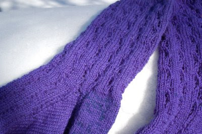 sock pattern close-up: Barbara Walker's Little Wave pattern