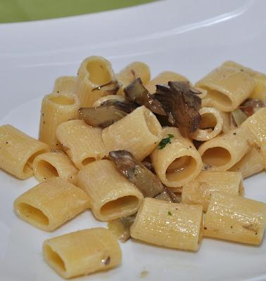 Pasta ai carciofi con crema di parmigiano