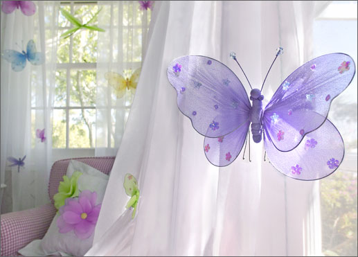 Dormitorios con mariposas for Cortinas infantiles nina