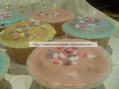Vanilla Iced Cakes Store Bought