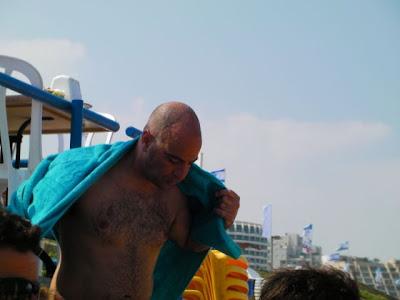 גידי אחרי השחייה