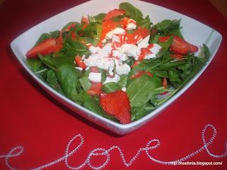 Σαλάτα με φράουλες - Strawberry love salad