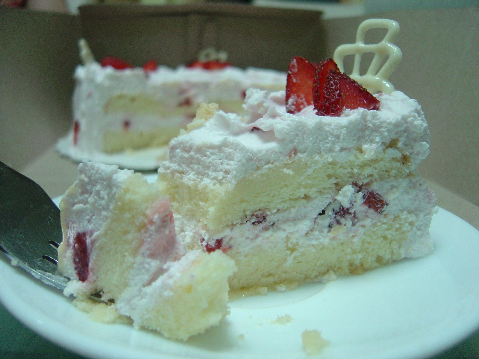 [Strawberry+petals2.JPG]