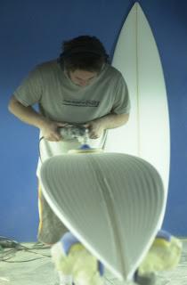 845f9df1c79 MATT BARROW CON SOUL Surfboards. La fábrica andaluza de tablas de surf ...