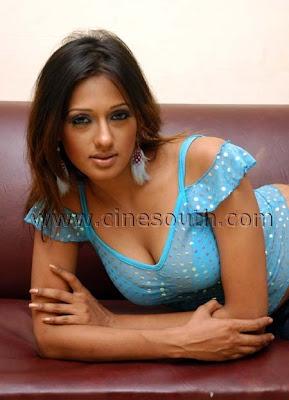 Hot Desi Masala Actress Cleavage Show