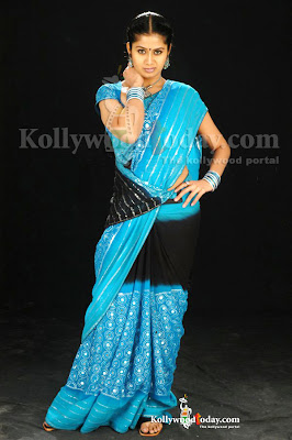 Tamil Actress in Sexy Saree