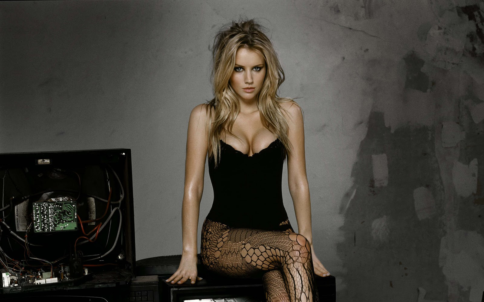low driver: Charlize Theron.Wow..!!!