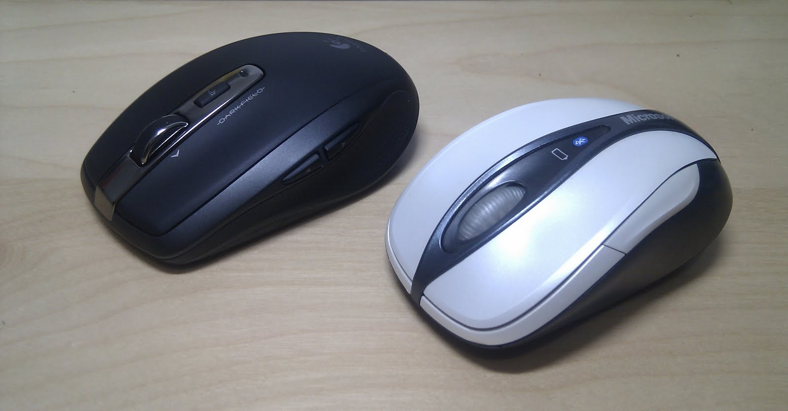 Joe Ten: Logitech Anywhere Mouse MX vs Microsoft Notebook Bluetooth