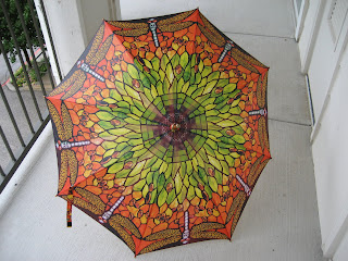 I'm not usually a fan of orange but I love it in this umbrella