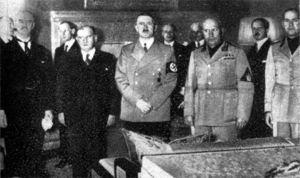 Pacto de Munich, 1938. Chamberlain, Daladier, Hitler, Mussolini, etc.