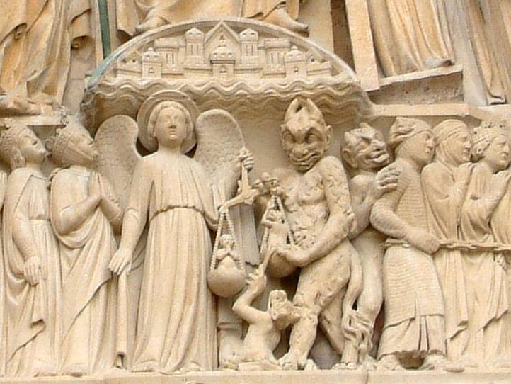 Detalhe do Juízo Final na fachada de Notre Dame de Paris