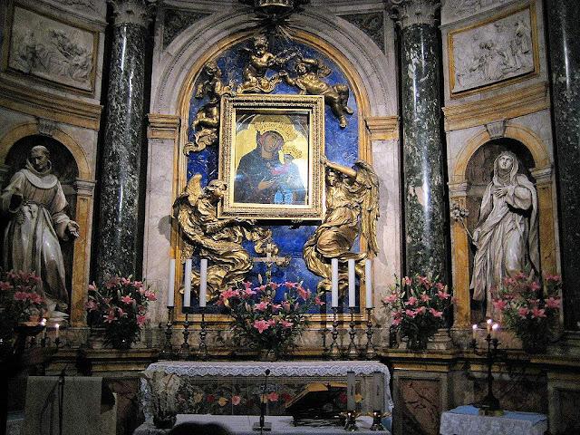 Madonna del Voto, Siena, a cidade medieval