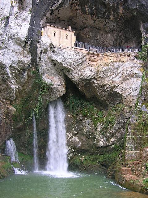 A gruta de Covadonga hoje
