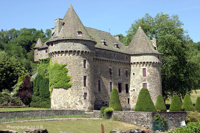 Castelo de Auzers, Cantal, França.
