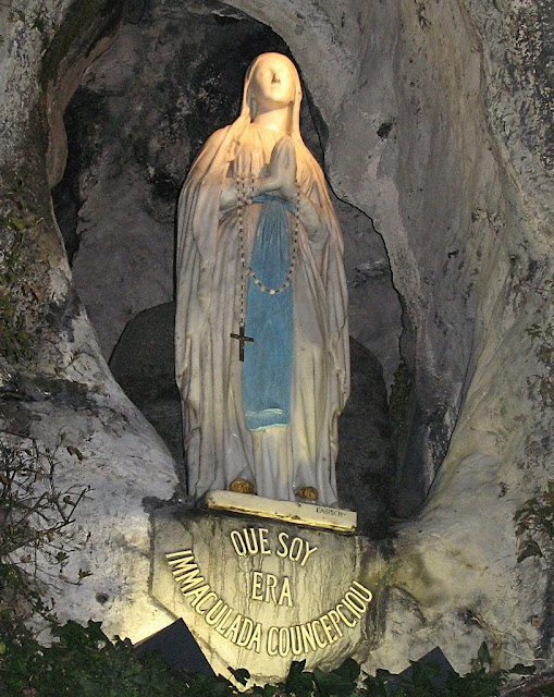 Lourdes, a imagem da Gruta