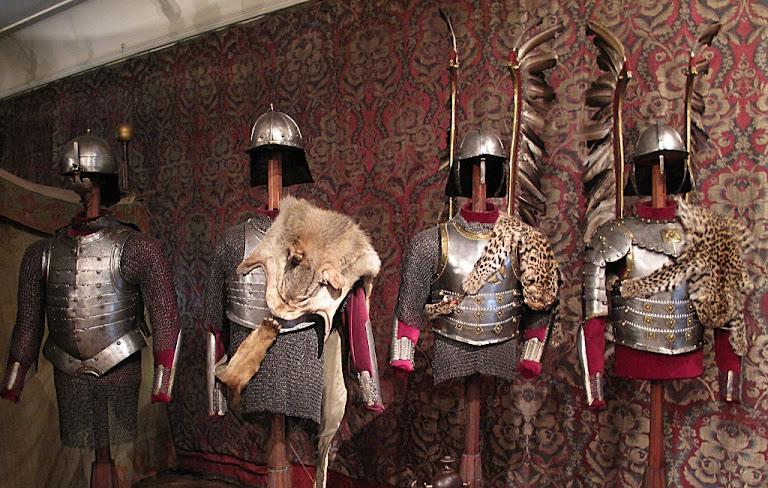 Armaduras de hussardos poloneses, Museu Czartoryski, Cracóvia