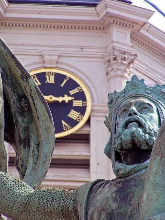 Godofredo de Bouillon, estátua em Bruxelas