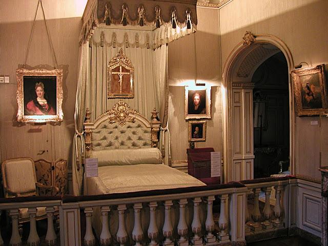 Maintenon: ambiente interno do castelo, marcado pela nobre família Noailles