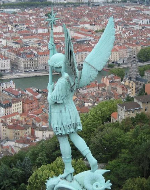 São Miguel Arcanjo, santuário de Fourvière, Lyon