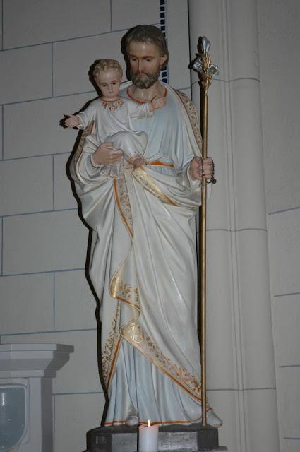 Imagem de São José venerada na capela